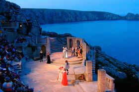 Minack-theatre-l
