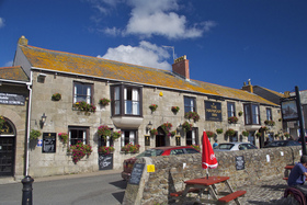 Harbour_inn3